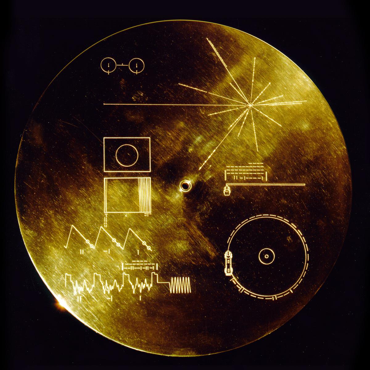 voyager-1-2-golden-record-replica-4
