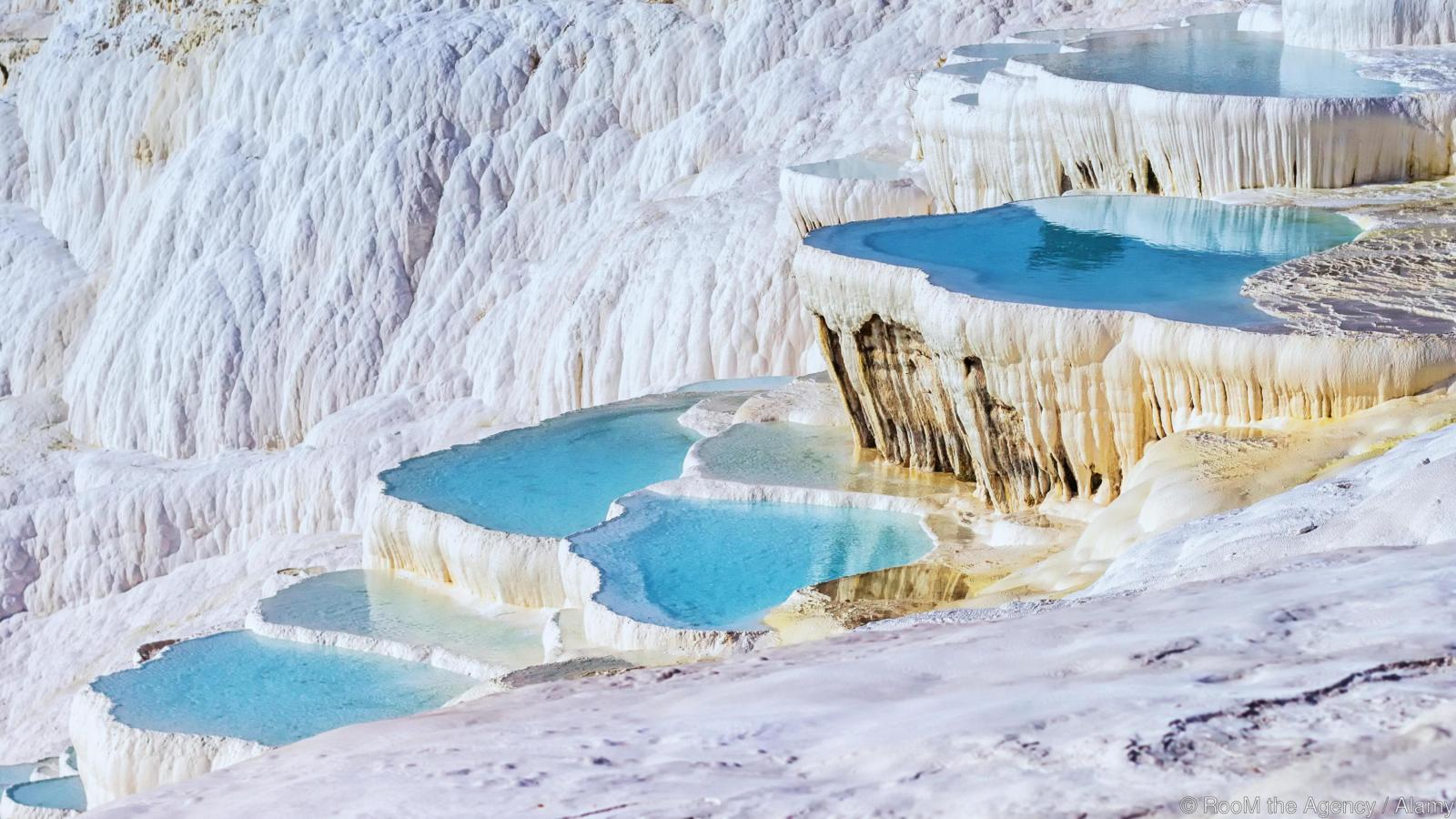 EG0J3M Turkey, Pamukkale, Pools and terraces