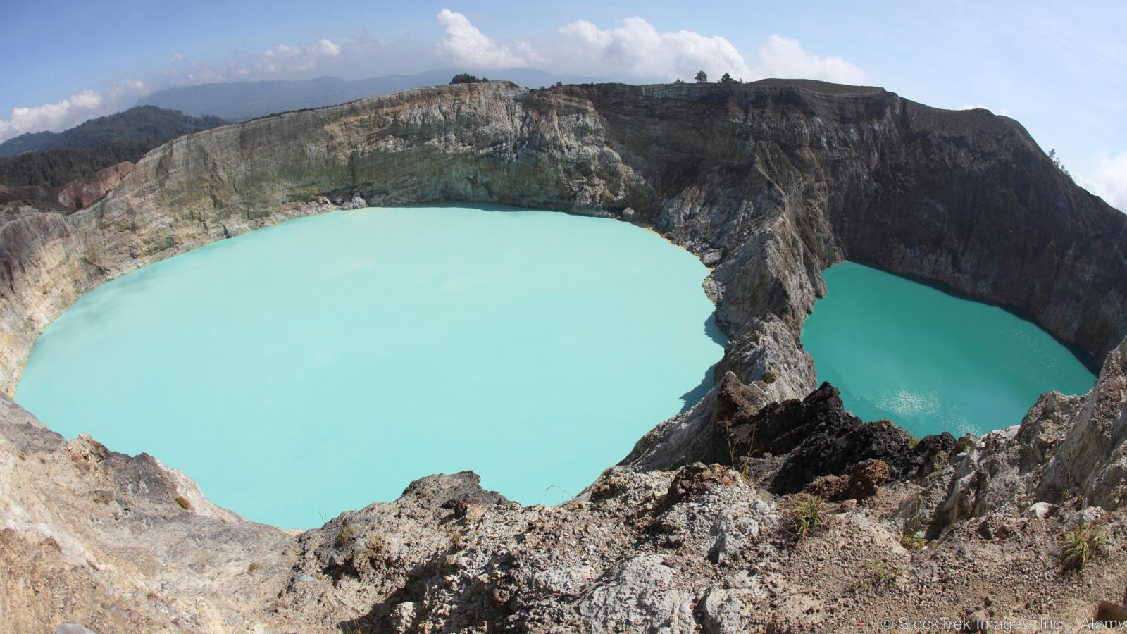 Colourful crater lakes of Kelimutu volcano, Flores Island, Indonesia.